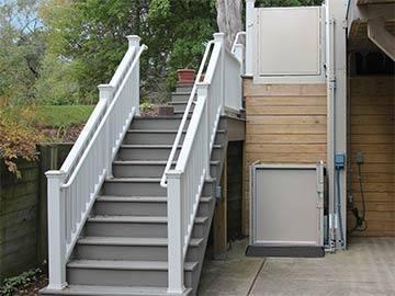 bruno-residential-vertical-platform-lift